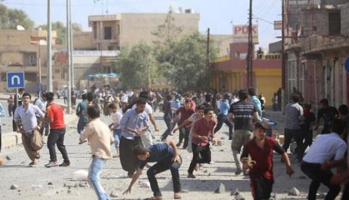 KUZEY IRAK'TA HALK HUZURSUZ, IKBY PROTESTOLARLA SARSILIYOR