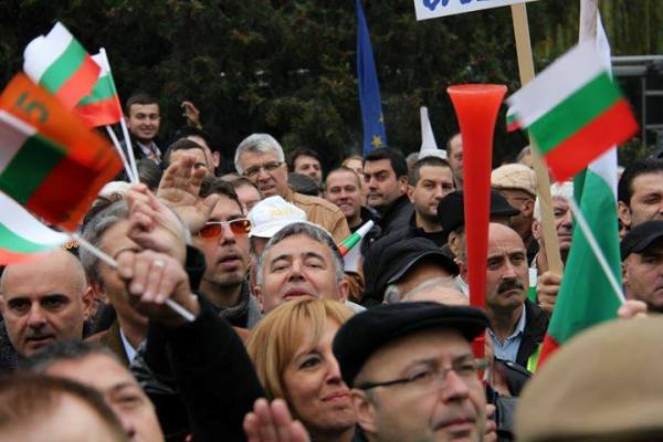 Bulgaristan'ın Geleceğini Kim Karartıyor?